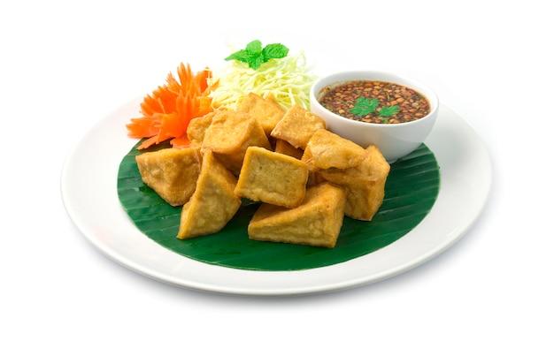 Comida vegetariana tofu frito
