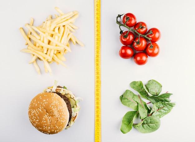 Comparação entre alimentação saudável e fast food
