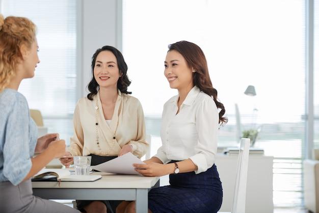 Compartilhando idéias de negócios