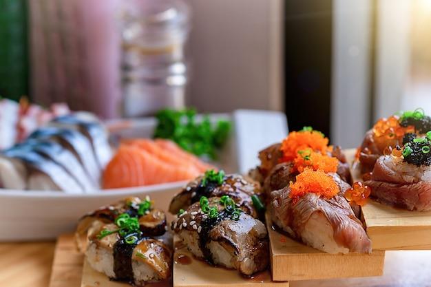 Compartilhe arroz comida japonesa