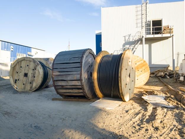 Compartimentos para cabos de alta tensão. mineração e planta de processamento. mineração de silvinita. distrito de petrikov, república da bielorrússia.