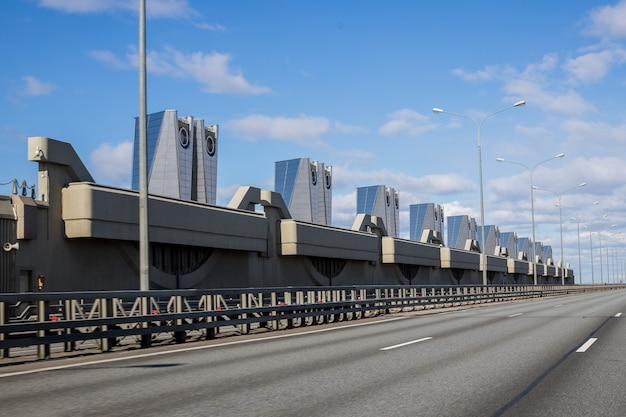 Complexo de instalações de prevenção de inundações de são petersburgo. barragem protetora de entrar em kronstadt.navigation .kronstadt. estrutura de navegação