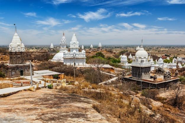 Complexo de templos de sonagiri jain - importante local religioso e de peregrinação, estado de madhya pradesh, índia