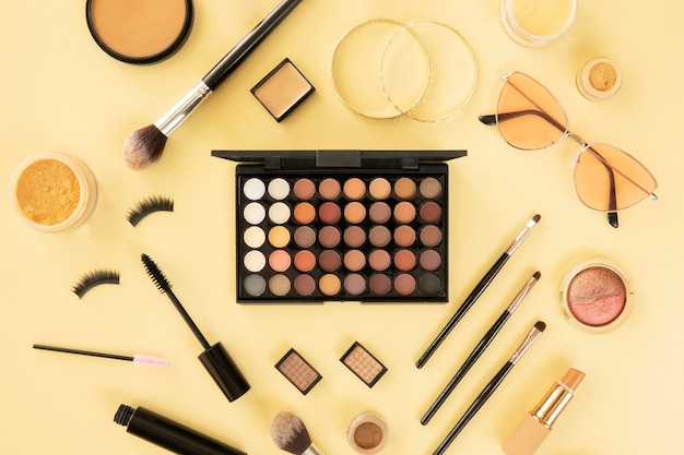 Compõem o conjunto de produtos de beleza