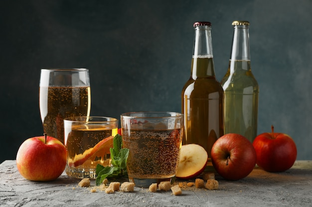 Composição com cidra, açúcar e maçãs