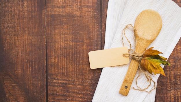 Composição, com, colher madeira, e, folha