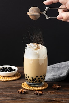 Composição com delicioso chá tailandês