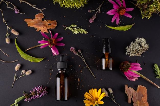 Composição com frascos de vidro de cosméticos orgânicos para o cuidado do corpo com casca de árvore real