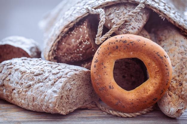 Composição com pão fresco