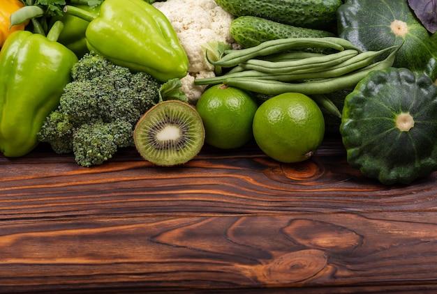Composição com variedade de alimentos orgânicos de vegetais orgânicos frescos