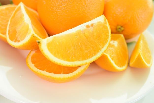 Composição com variedade de frutas. conceito de dieta, comer limpo.