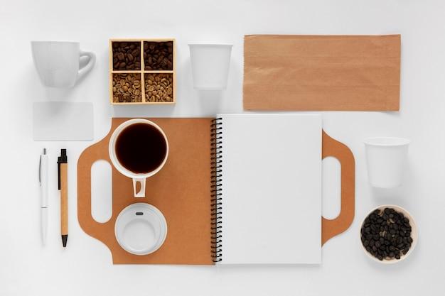 Composição criativa de elementos de café