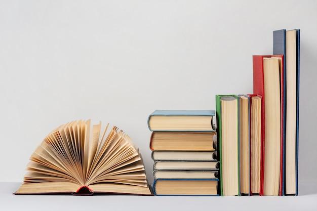 Composição criativa para o dia mundial do livro