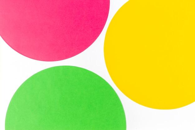 Composição da geometria da forma do círculo redondo nas cores verde, amarelo e vermelho