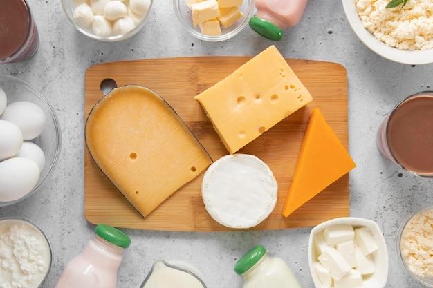 Composição da vista superior com produtos lácteos