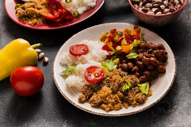 Composição de alimentos brasileiros de alto ângulo