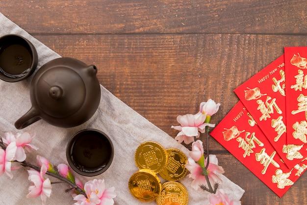 Composição de ano novo chinês com chá