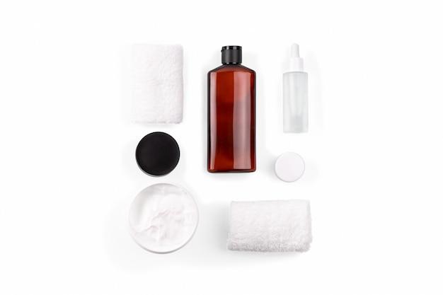 Composição de belo spa em branco no centro de bem-estar.