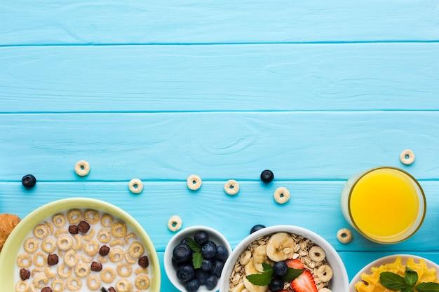 Composição de café da manhã plana leiga com copyspace