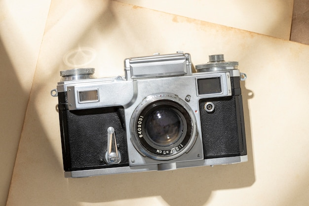 Composição de câmera vintage de vista superior
