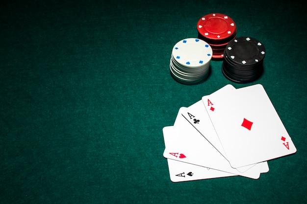 Composição de cartas de poker moderna
