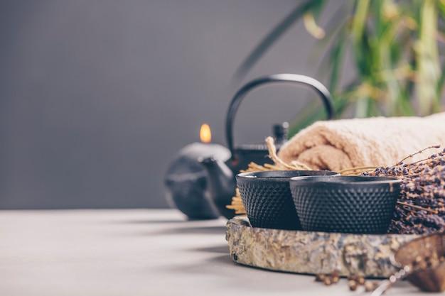 Composição de chá e spa