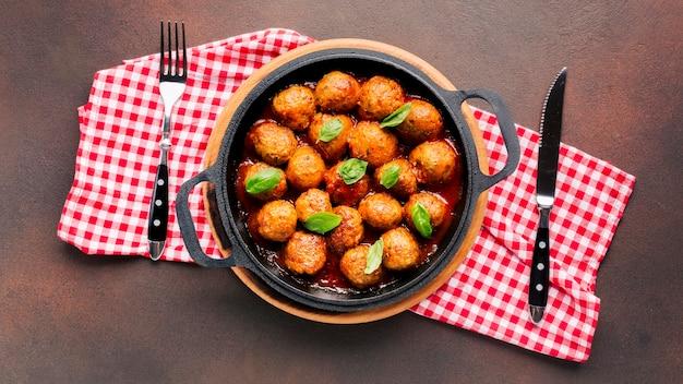 Composição de comida italiana leiga plana