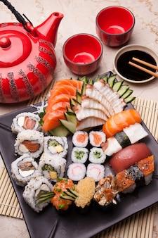 Composição de comida japonesa
