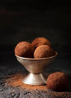 Composição de deliciosas guloseimas de chocolate