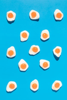 Composição de deliciosos rebuçados de ovos doces