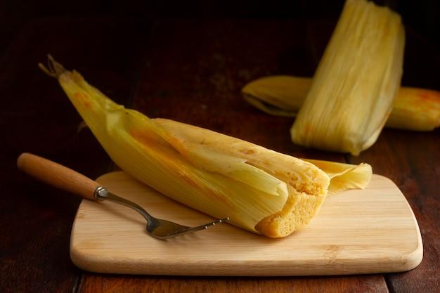 Composição de deliciosos tamales tradicionais