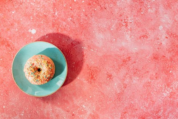 Composição de donut plana leigos com copyspace