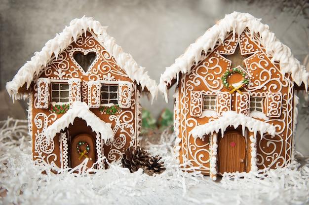 Composição de duas casas de gengibre