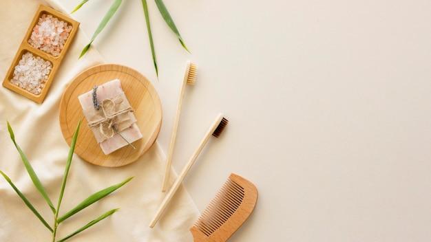 Composição de escovas e sabonete para tratamentos de spa