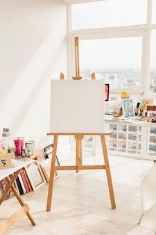 Composição de estúdio de arte moderna