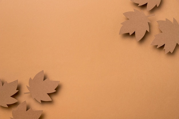 Composição de folhas de outono plana leigos com espaço de cópia
