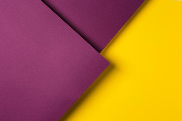 Composição de folhas de papel colorido