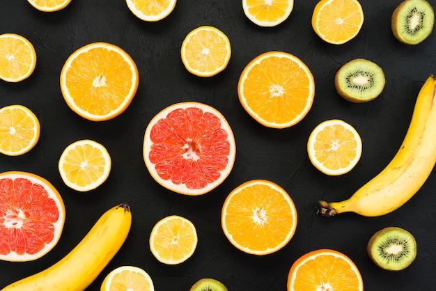Composição de frutas tropicais coloridas mistas