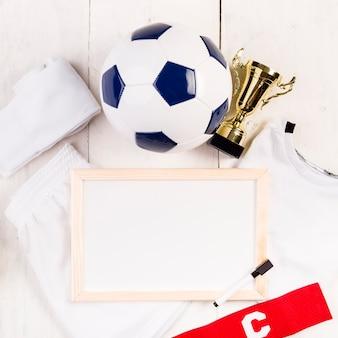 Composição de futebol com close-up do quadro