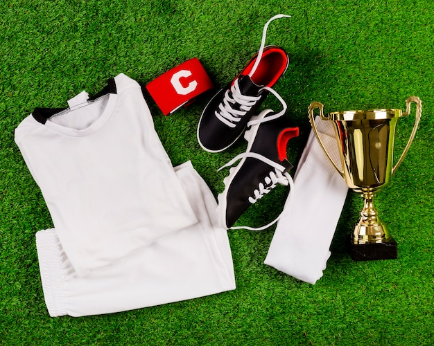 Composição de futebol com troféu