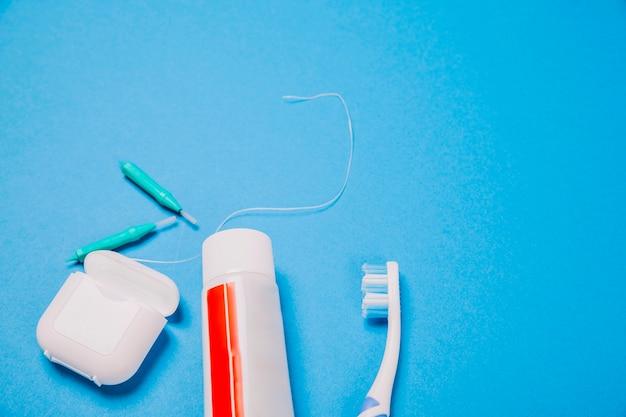 Composição de higiene com espaço no topo