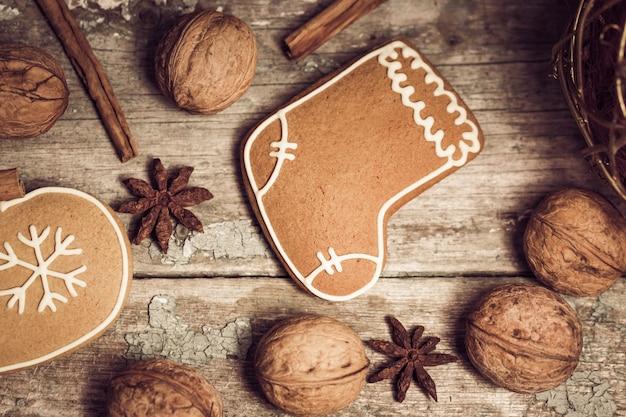Composição de inverno com biscoitos de gengibre