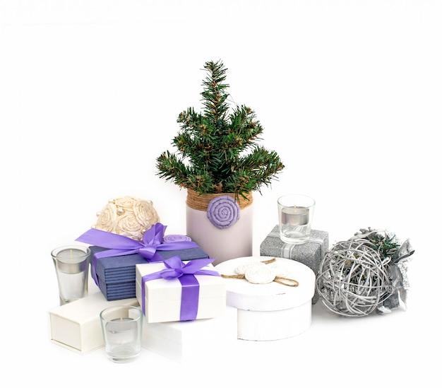 Composição de natal caixas de árvore de natal com presentes