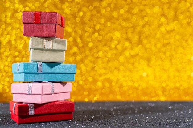 Composição de natal. caixas de presente de natal. fundo de cartão de férias.