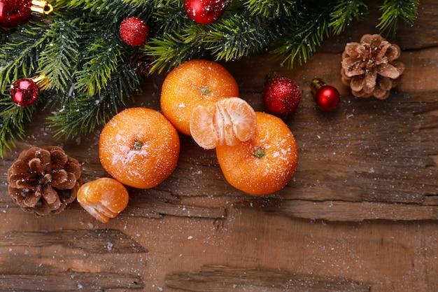 Composição de natal com tangerinas