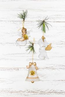 Composição de natal de pequenos anjos