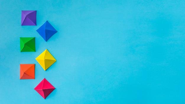 Composição de origami de papel brilhante