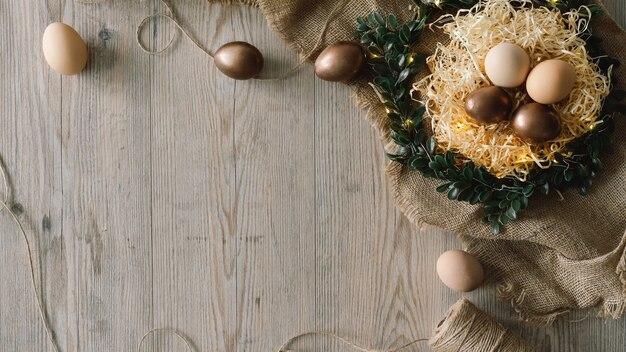 Composição de páscoa com flores e ovos