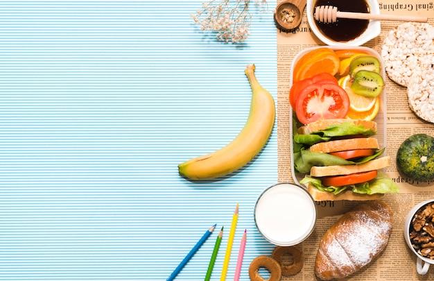 Composição de pequeno-almoço saudável