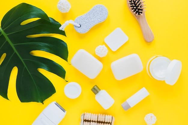 Composição de produtos de beleza com vários sabonetes